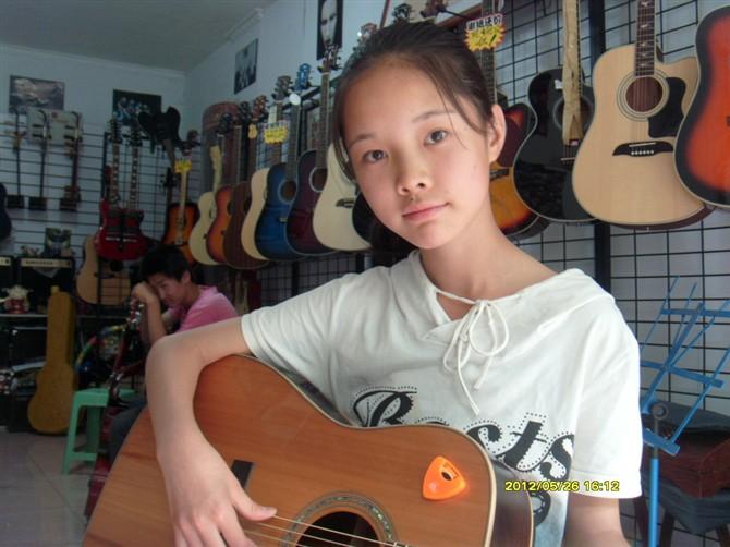 自由的飞 吉他谱