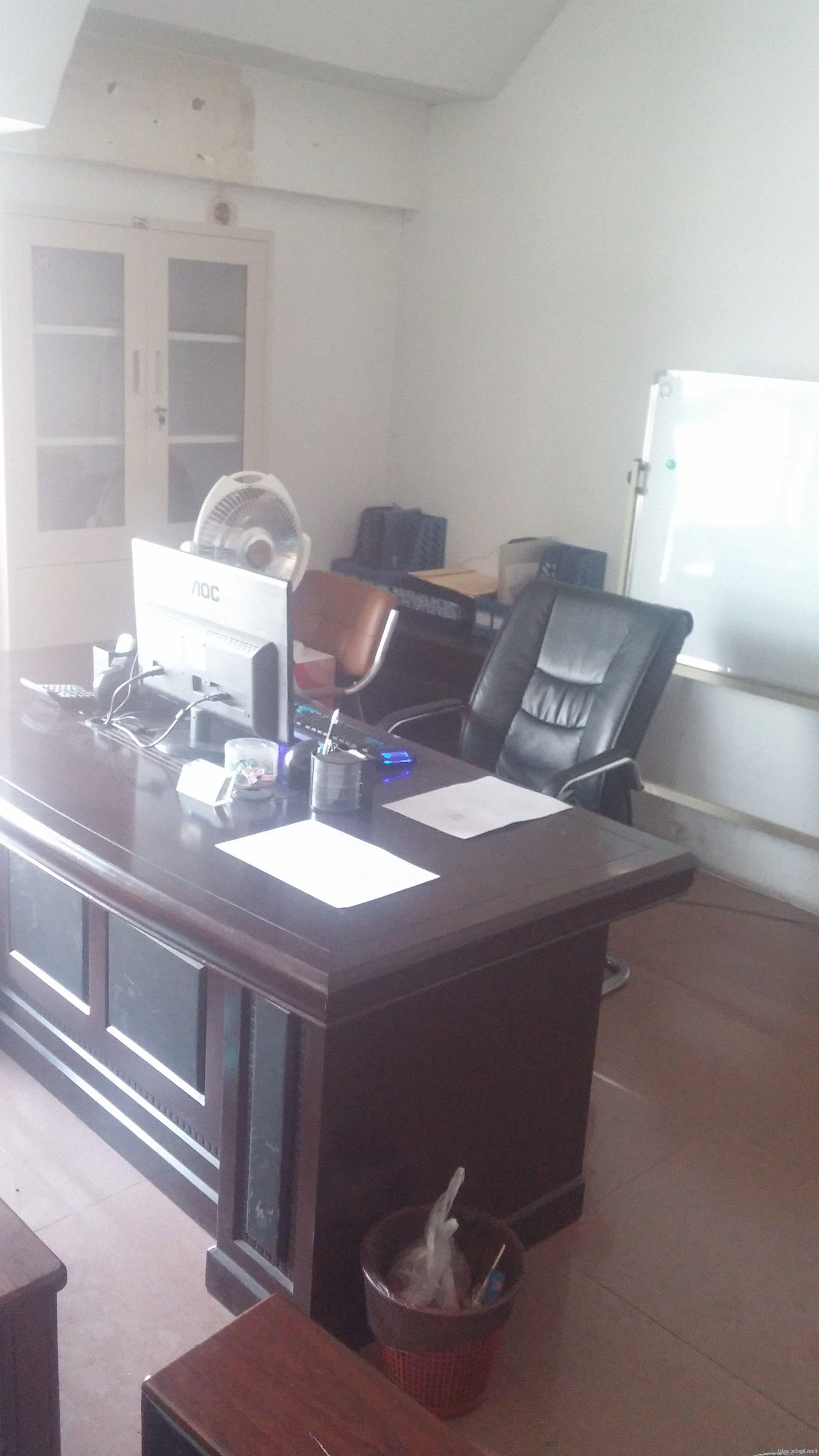 正方形40平米办公室求摆放,沙发,茶几,办公桌,展示柜图片