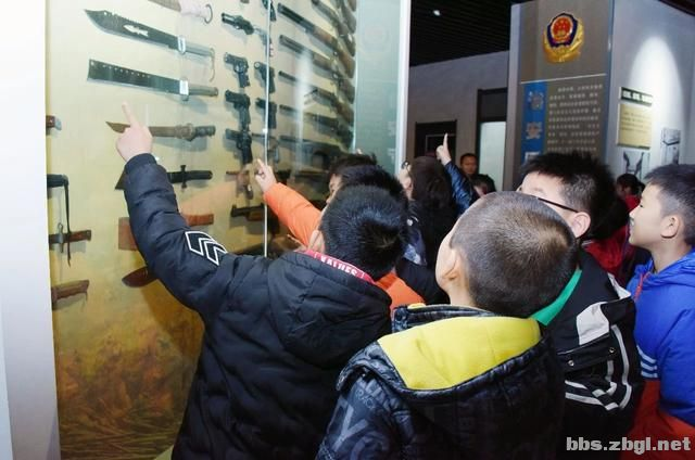 """淄博市公安局组织开展 """"110宣传日""""警营开放活动-3.jpg"""