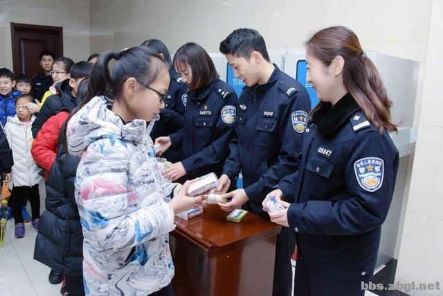 """淄博市公安局组织开展 """"110宣传日""""警营开放活动-7.jpg"""