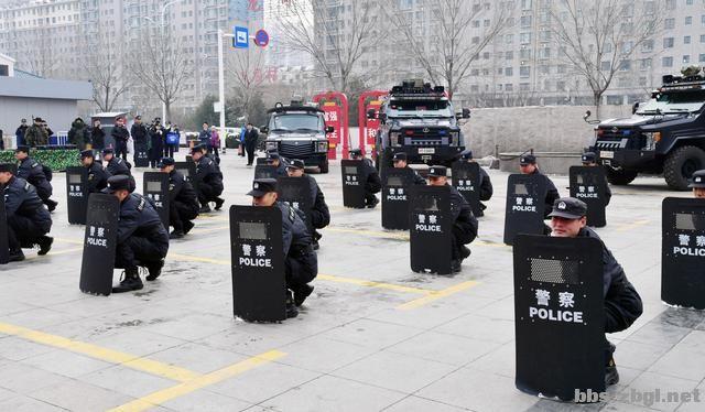 """淄博市公安局举行""""110宣传日""""集中宣传活动-4.jpg"""