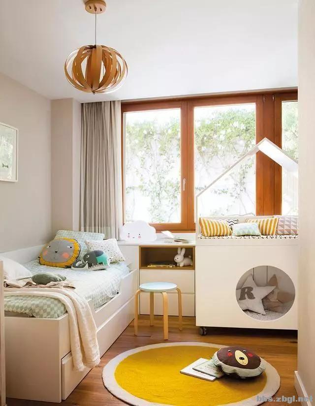 二胎家庭不做上下铺,越来越多人都把2张床靠墙放,中间做收纳柜-2.jpg