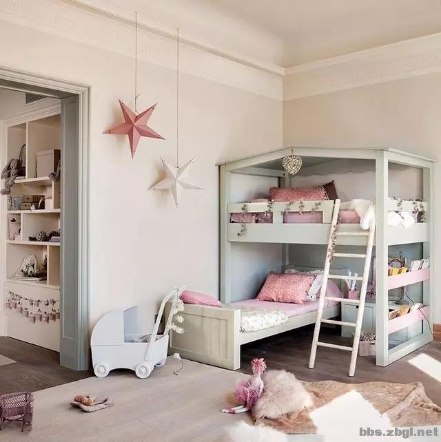 二胎家庭不做上下铺,越来越多人都把2张床靠墙放,中间做收纳柜-3.jpg