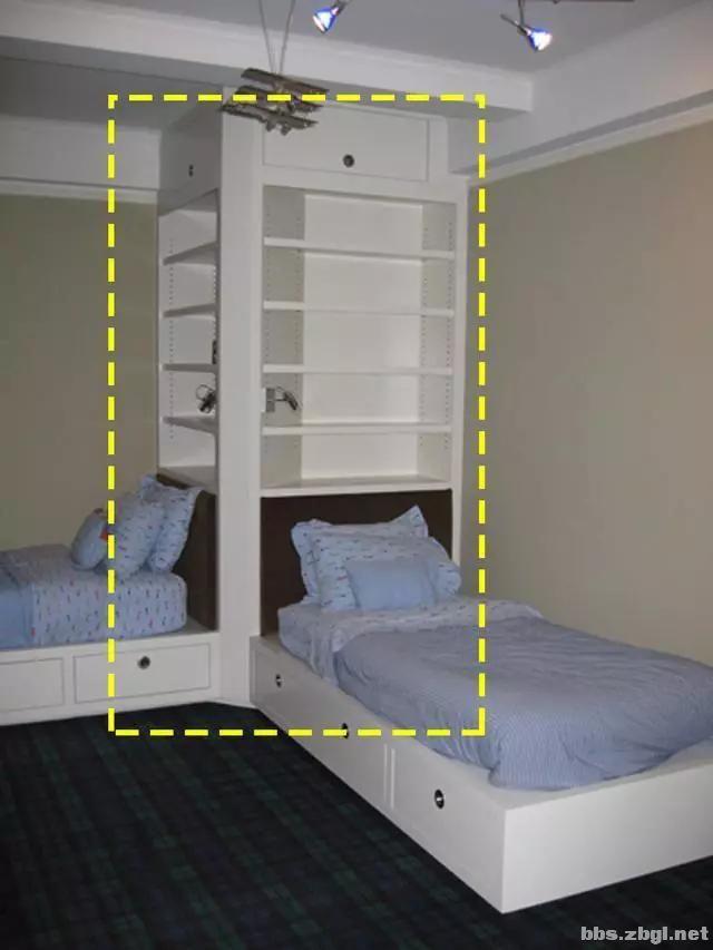 二胎家庭不做上下铺,越来越多人都把2张床靠墙放,中间做收纳柜-7.jpg