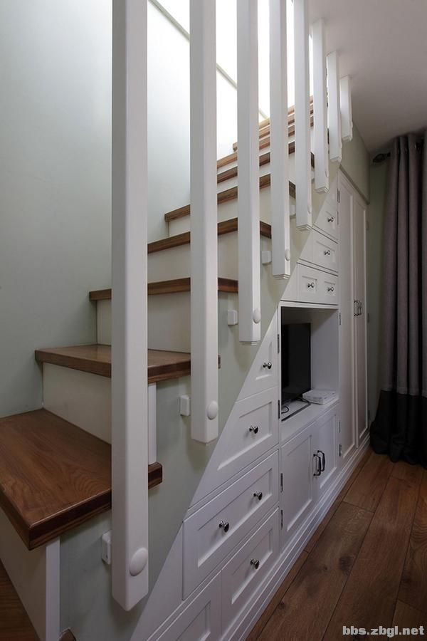 楼梯下的空间,设计师教你这样改造,让家瞬间增大5㎡-3.jpg