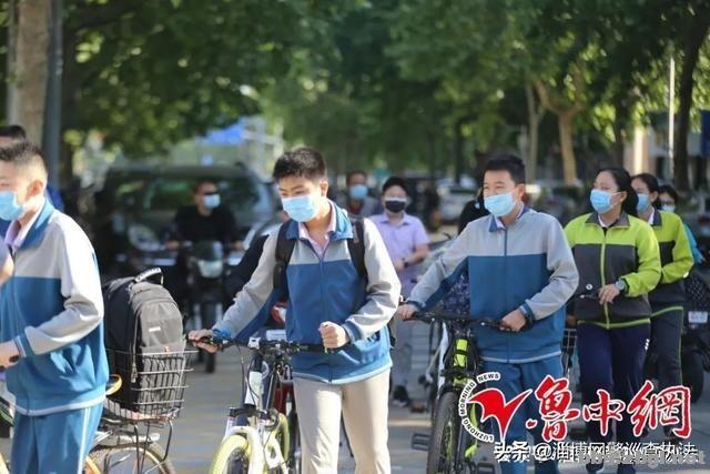 今天开学!刚刚在淄博学校拍下这久违的一幕-5.jpg