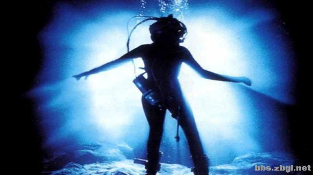 10部深海惊悚片,一口气刷完紧张到窒息-4.jpg