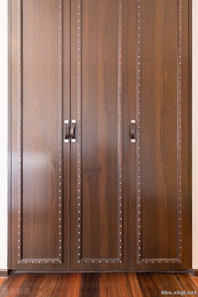 用心淘来的饰品难收纳,主卧门后的15cm做超薄柜,收纳效率超高-2.jpg