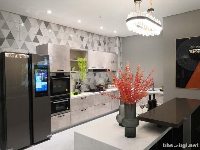 装修实景案例:150㎡现代轻奢风,开放式厨房遇上中岛台美到爆-9.jpg