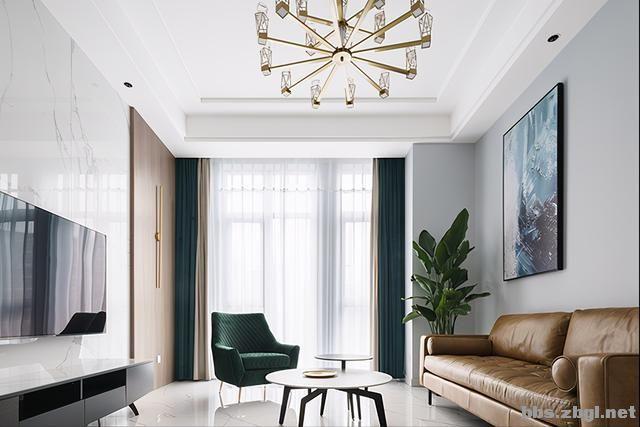 130㎡实拍装修案例:电视背景墙大理石+黄铜做装饰,简约轻奢-2.jpg