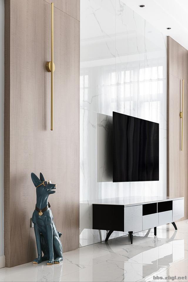 130㎡实拍装修案例:电视背景墙大理石+黄铜做装饰,简约轻奢-9.jpg
