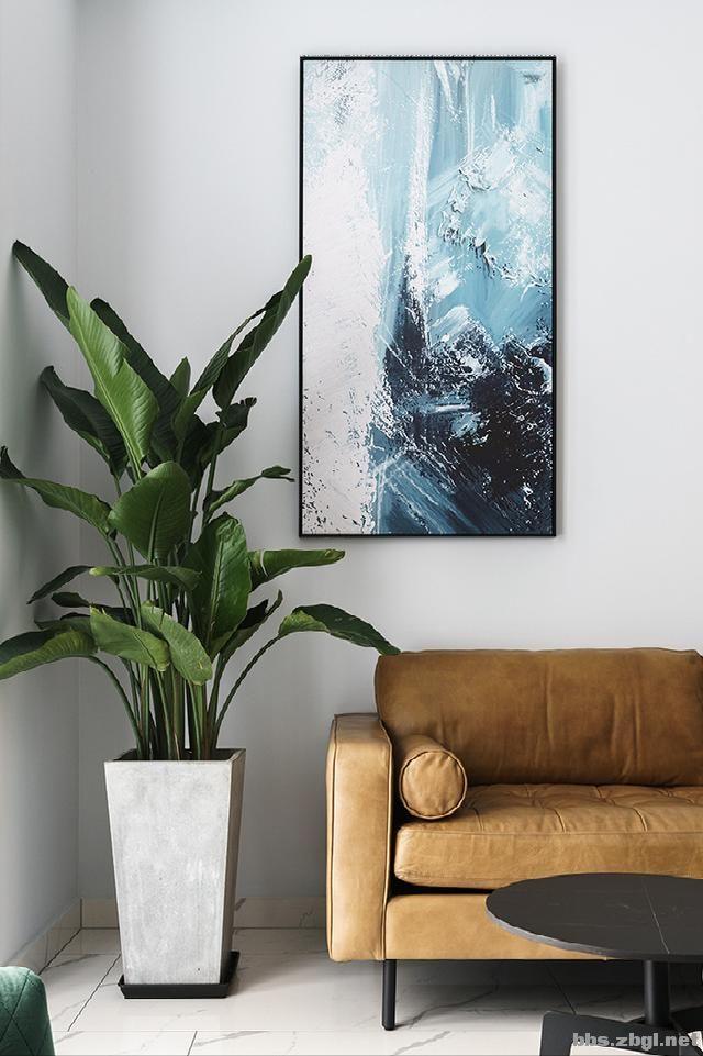 130㎡实拍装修案例:电视背景墙大理石+黄铜做装饰,简约轻奢-10.jpg