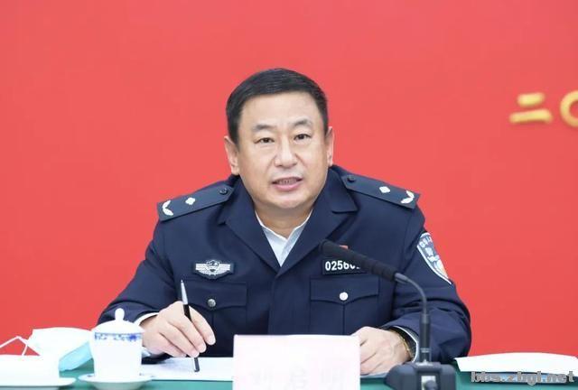 市公安局召开全市公安机关基层所队长座谈会议-2.jpg