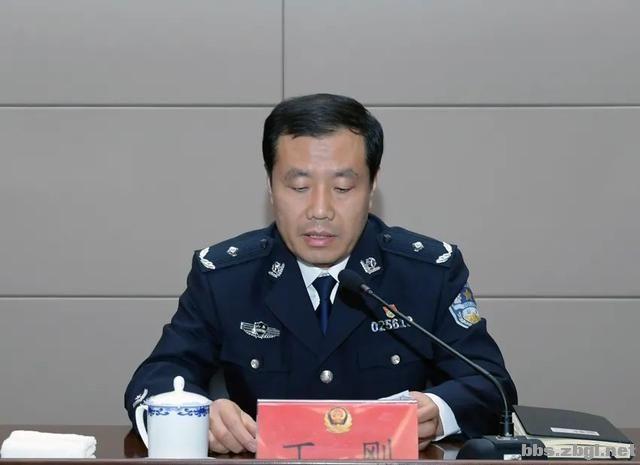 市公安局举办2021年政治轮训班专题讲座-2.jpg