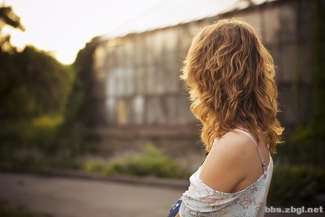 婚姻中,女人开始不安分了,便会撒这三种谎-6.jpg
