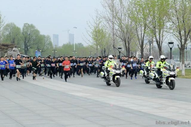 淄博市公安局成功举办全市公安机关第二届(第二期)迷你马拉松赛-4.jpg
