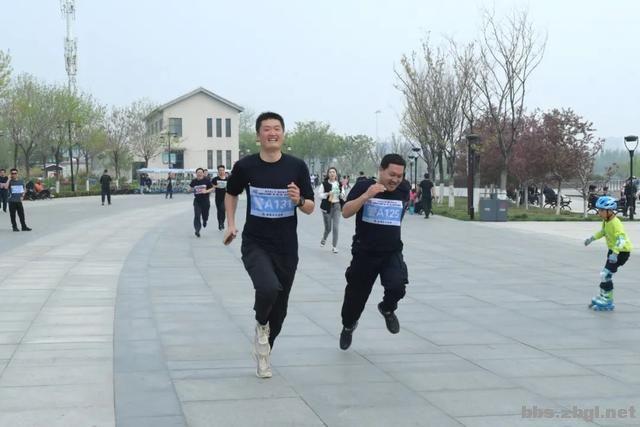 淄博市公安局成功举办全市公安机关第二届(第二期)迷你马拉松赛-9.jpg