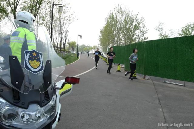淄博市公安局成功举办全市公安机关第二届(第二期)迷你马拉松赛-6.jpg