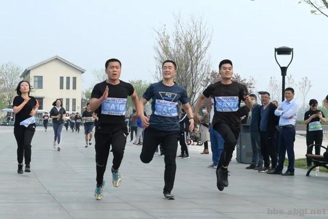 淄博市公安局成功举办全市公安机关第二届(第二期)迷你马拉松赛-8.jpg