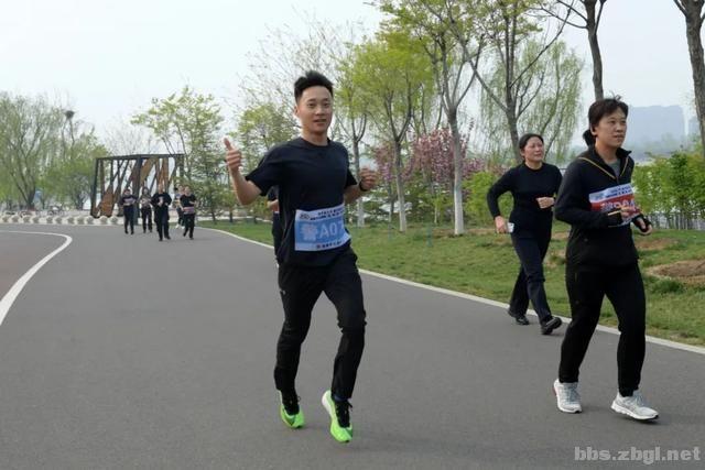 淄博市公安局成功举办全市公安机关第二届(第二期)迷你马拉松赛-7.jpg