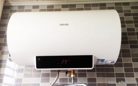 热水器24小时开着反而更省电?抄表员:夏天电费高你可别怪它-2.jpg
