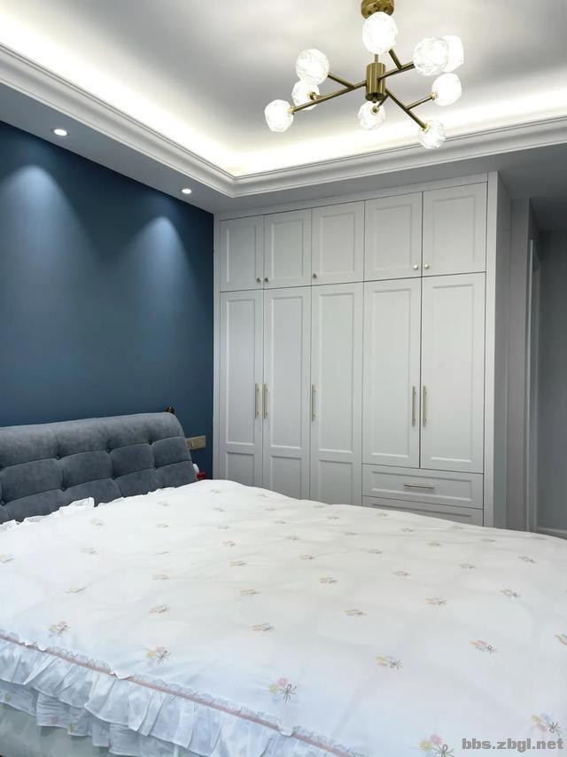 别再考虑用大白墙做床头背景墙了,设计师分享10种,实用还出效果-3.jpg
