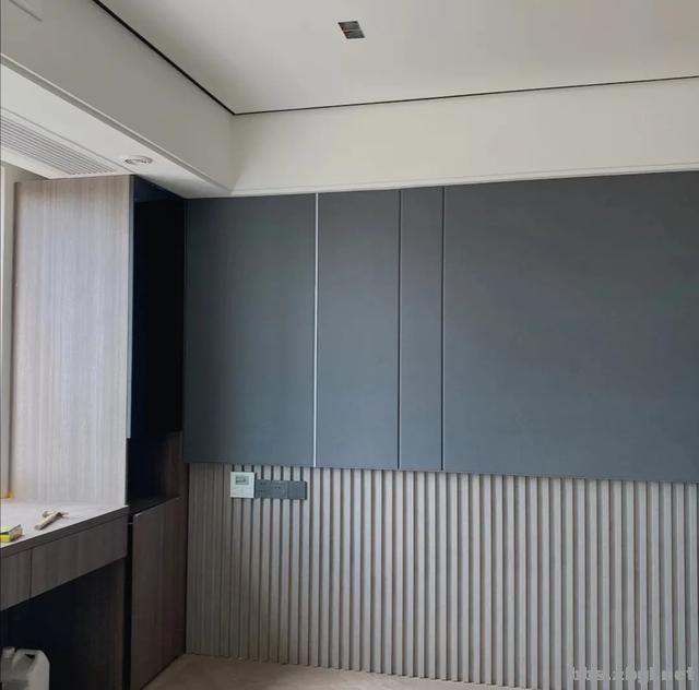 别再考虑用大白墙做床头背景墙了,设计师分享10种,实用还出效果-13.jpg