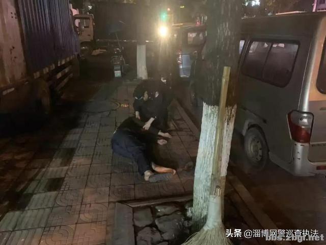 """女子坐上20米高阳台,点名找""""叶警官""""……-7.jpg"""