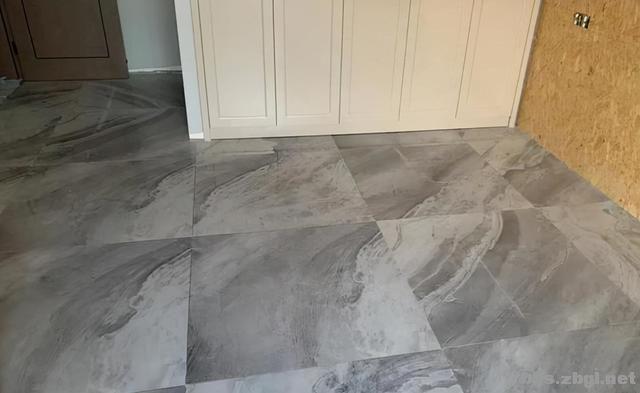 越来越多人装修选择灰色瓷砖,我家也跟风,入住2年全家很满意-1.jpg