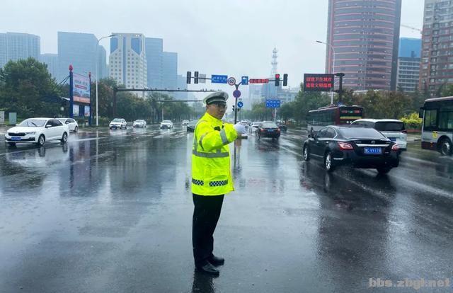 全市公安机关圆满完成中秋节安保维稳任务-11.jpg