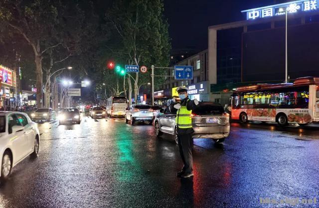 全市公安机关圆满完成中秋节安保维稳任务-12.jpg